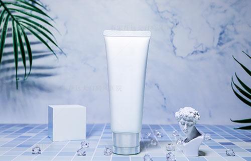 照了308激光后可以用洗面奶洗脸吗